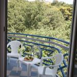 Балкон в номере deluxe-1